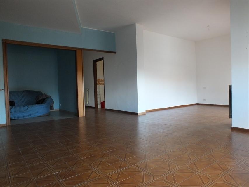 Appartamento in vendita a Reggio Calabria, 5 locali, prezzo € 99.000 | CambioCasa.it