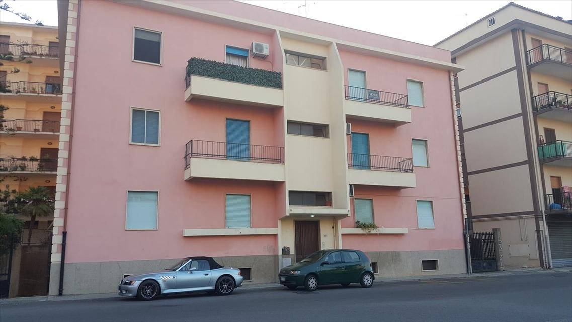 Appartamento in vendita a Villa San Giovanni, 4 locali, prezzo € 75.000 | CambioCasa.it