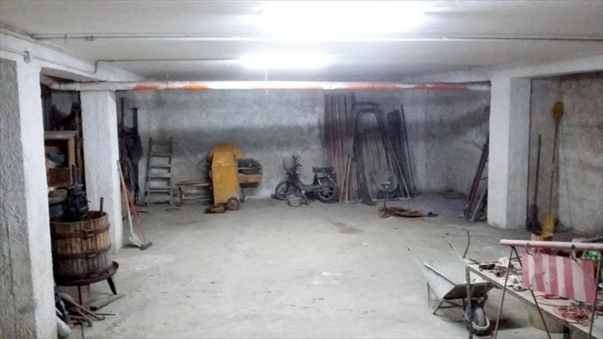 Box / Garage in vendita a Gravina in Puglia, 10 locali, prezzo € 70.000 | CambioCasa.it