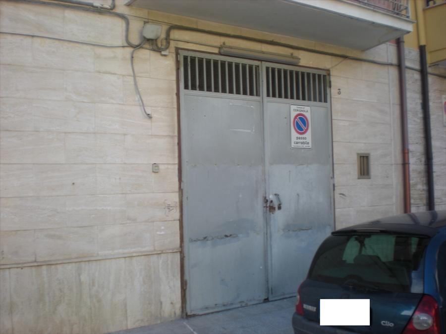 Negozio / Locale in vendita a Cerignola, 9999 locali, prezzo € 30.000 | CambioCasa.it