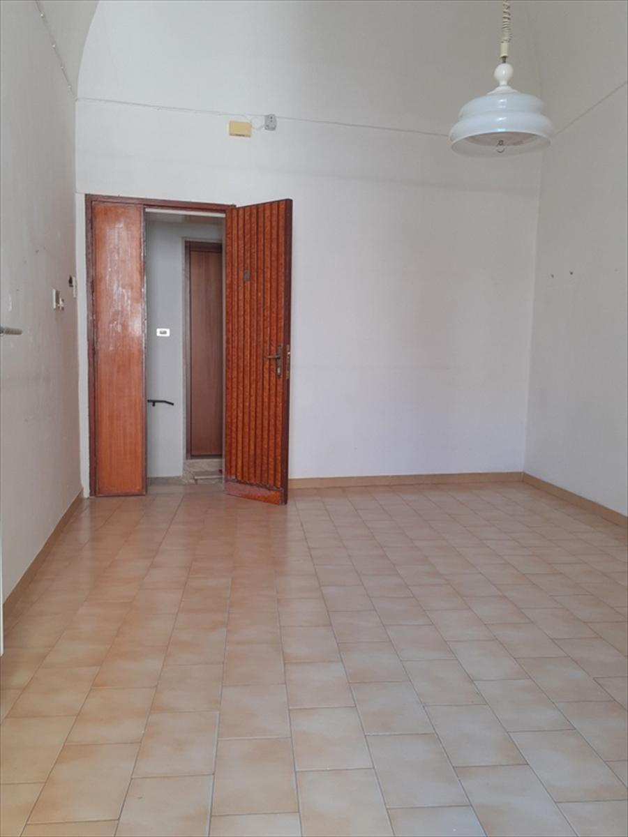 Appartamento in vendita a Gravina in Puglia, 2 locali, prezzo € 50.000 | CambioCasa.it