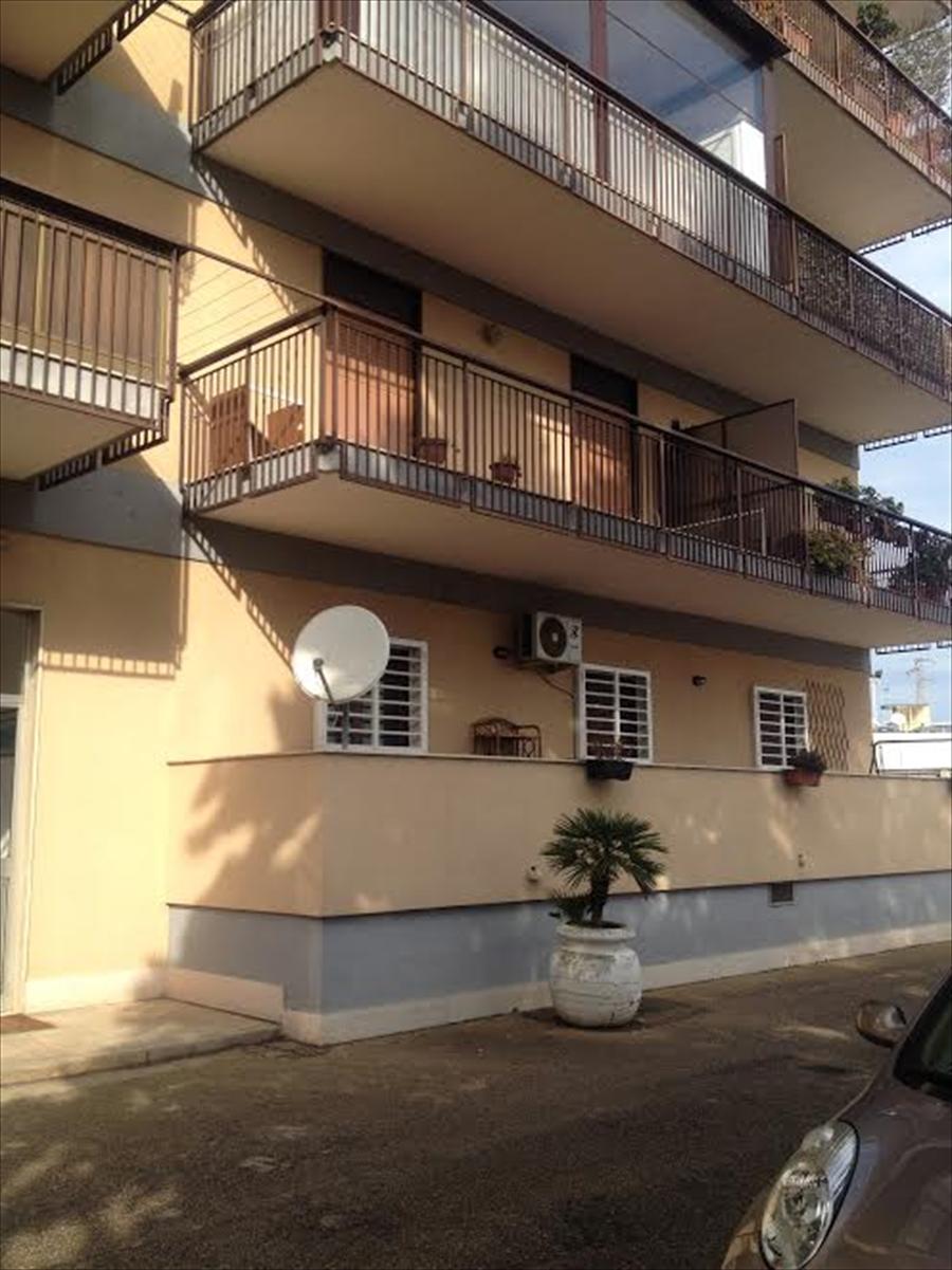 Appartamento in vendita a Modugno, 3 locali, prezzo € 65.000 | Cambio Casa.it