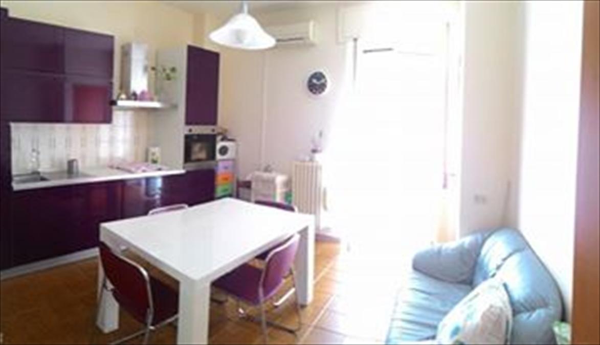Appartamento in vendita a Corato, 4 locali, prezzo € 105.000 | CambioCasa.it
