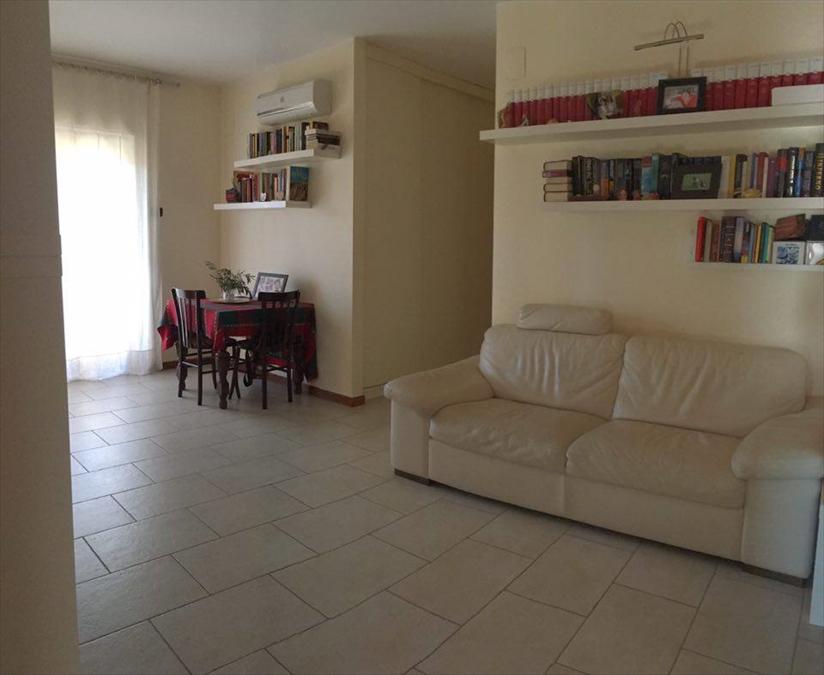 Appartamento in vendita a Corato, 3 locali, prezzo € 138.000 | Cambio Casa.it
