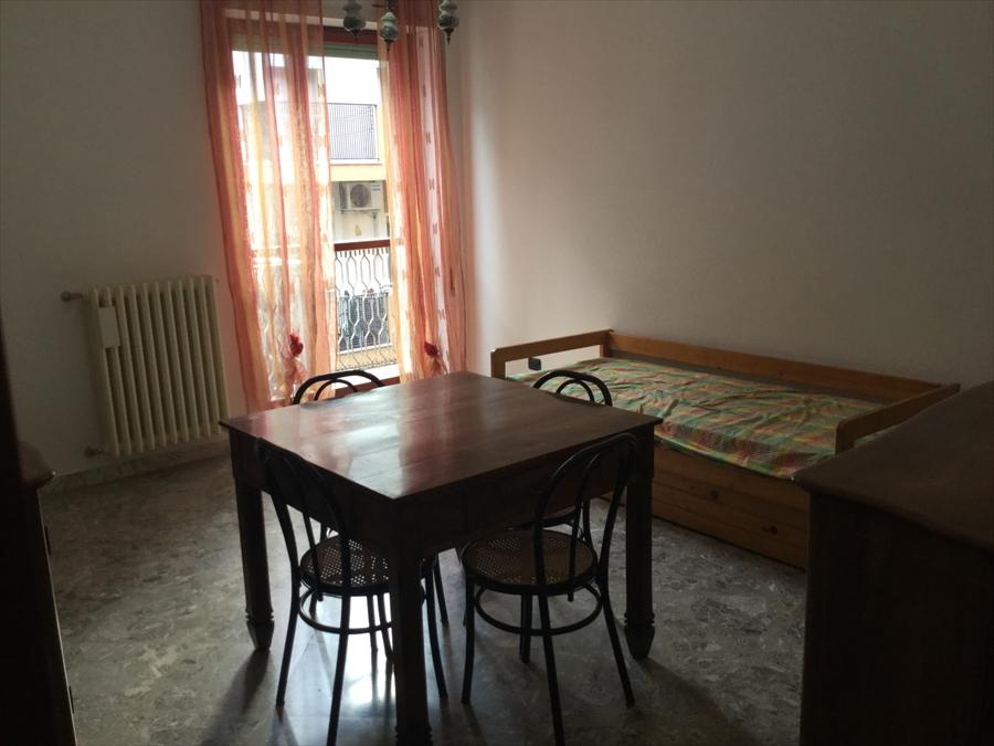 Appartamento in affitto a Brindisi, 2 locali, prezzo € 400 | Cambio Casa.it