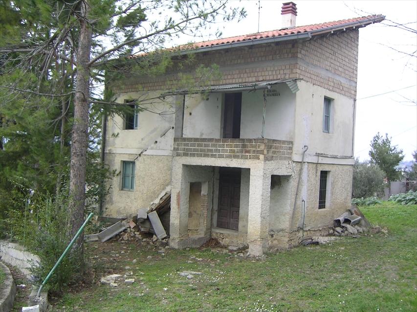 Soluzione Indipendente in vendita a Bucchianico, 3 locali, prezzo € 45.000 | CambioCasa.it