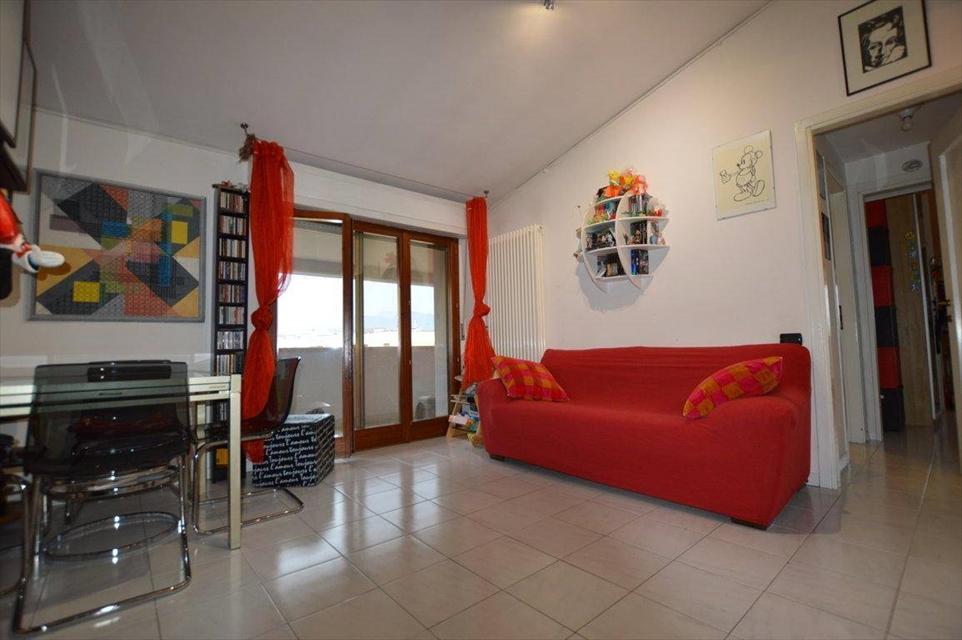 Appartamento in vendita a Viareggio, 3 locali, prezzo € 195.000 | CambioCasa.it