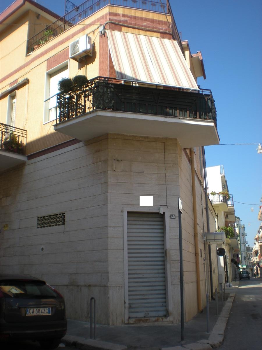Soluzione Indipendente in vendita a Cerignola, 4 locali, Trattative riservate | Cambio Casa.it