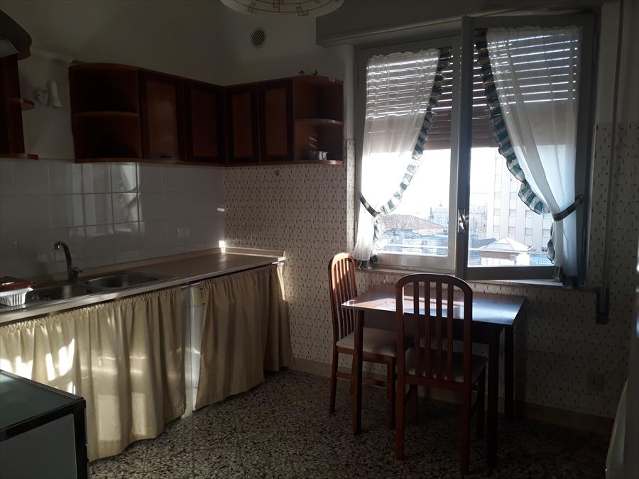 affitto appartamento trapani   500 euro  4 locali  140 mq