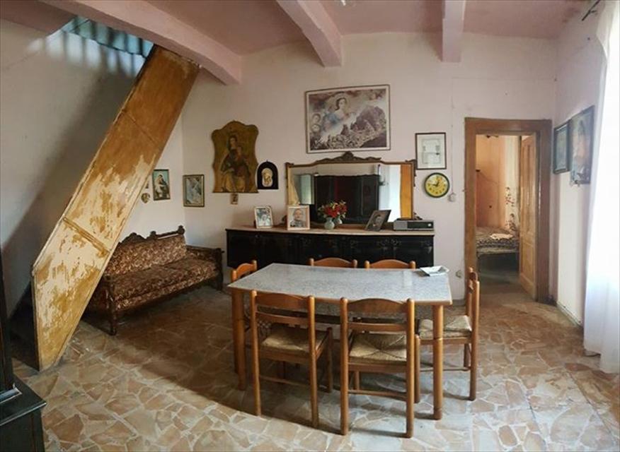 Appartamento in vendita a Reggio Calabria, 4 locali, prezzo € 37.000 | CambioCasa.it