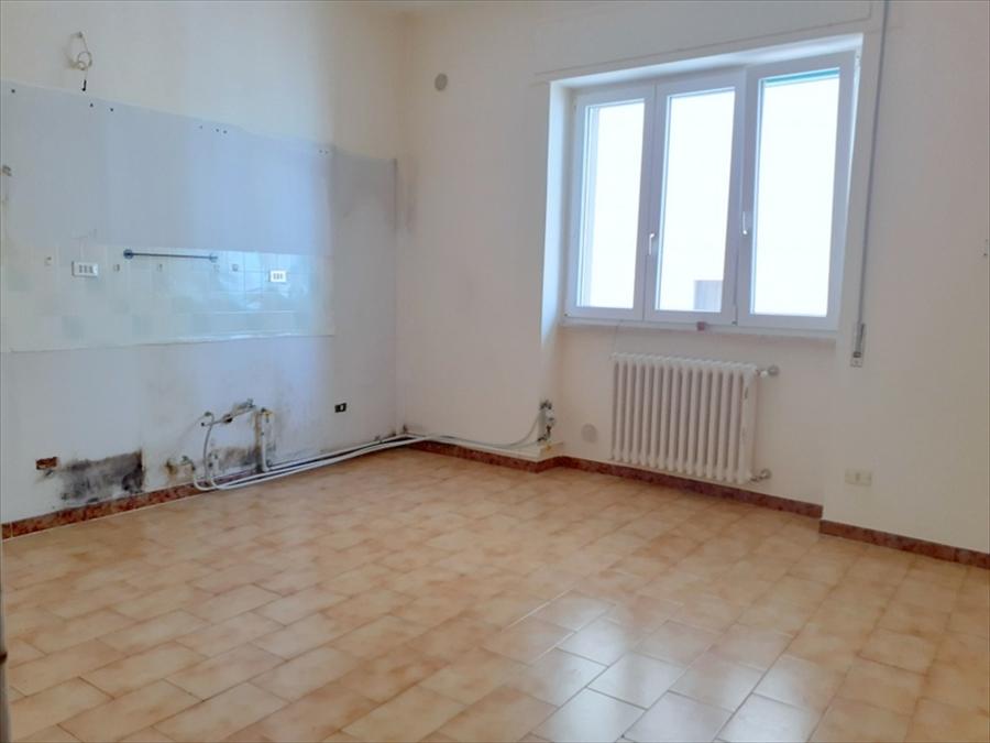 Appartamento in vendita a Gravina in Puglia, 3 locali, prezzo € 90.000 | CambioCasa.it