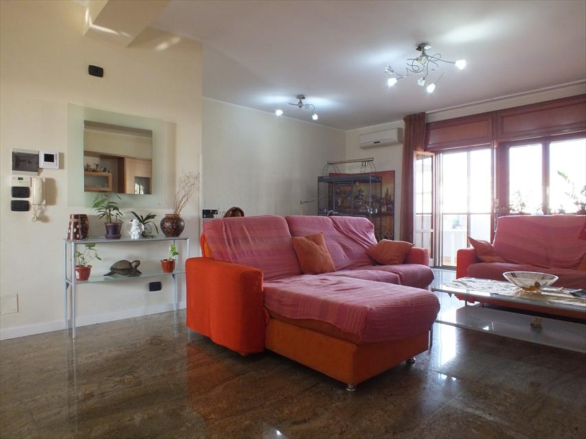 Appartamento in vendita a Reggio Calabria, 9999 locali, prezzo € 104.000 | CambioCasa.it
