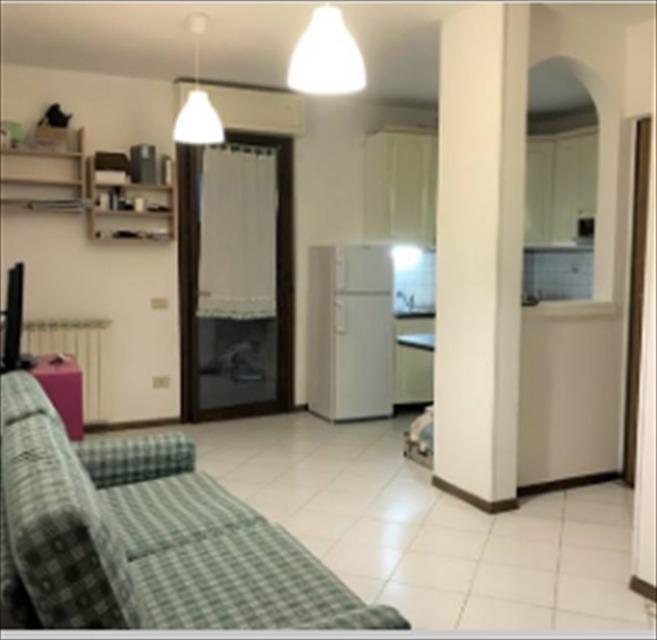 Appartamento in vendita a Viareggio, 3 locali, prezzo € 170.000 | CambioCasa.it