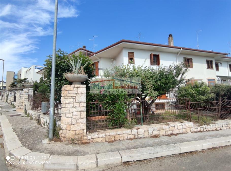Villa a Schiera in vendita a Cassano delle Murge, 9 locali, prezzo € 280.000   PortaleAgenzieImmobiliari.it