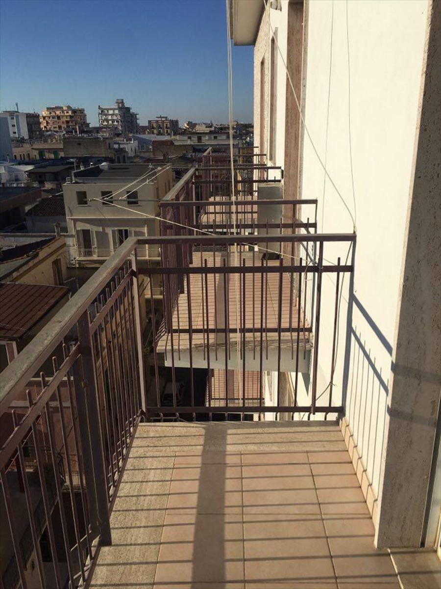 Appartamento in affitto a Corato, 3 locali, prezzo € 320 | CambioCasa.it