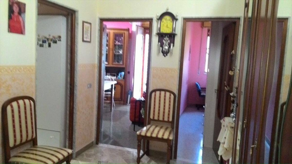 Appartamento in vendita a Corato, 3 locali, prezzo € 68.000 | Cambio Casa.it