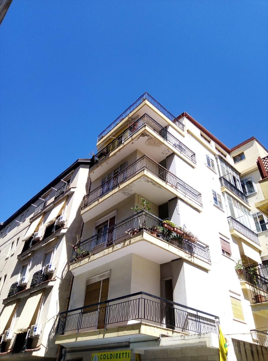 Appartamento in vendita a Reggio Calabria, 3 locali, prezzo € 58.000 | CambioCasa.it