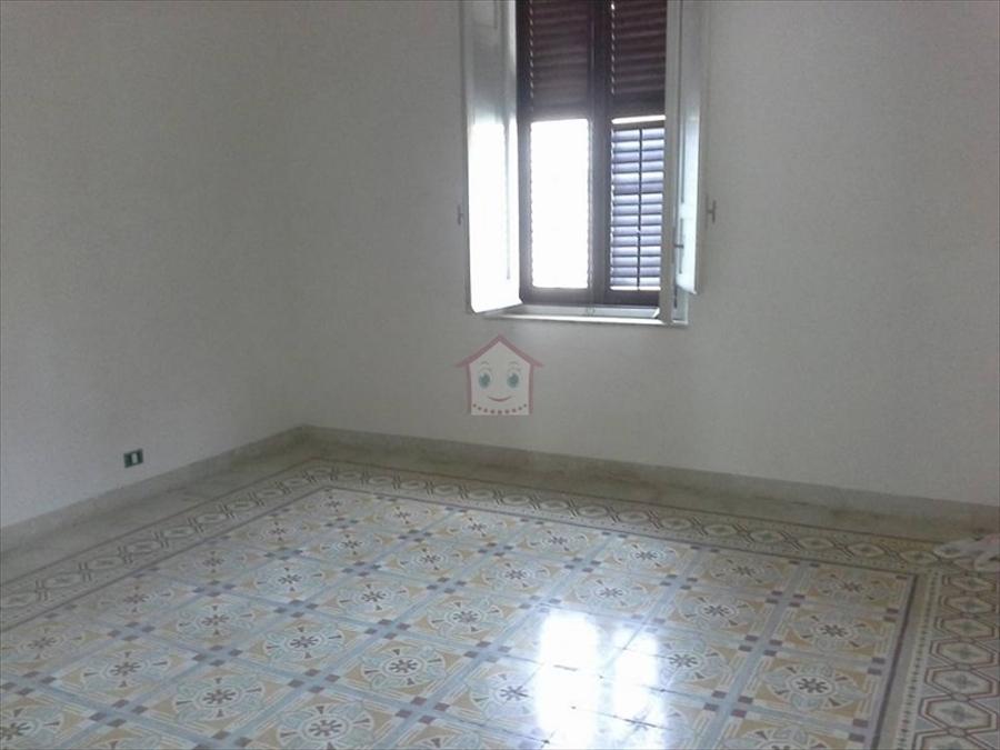 Appartamento in vendita a Trapani, 3 locali, prezzo € 52.000 | Cambio Casa.it