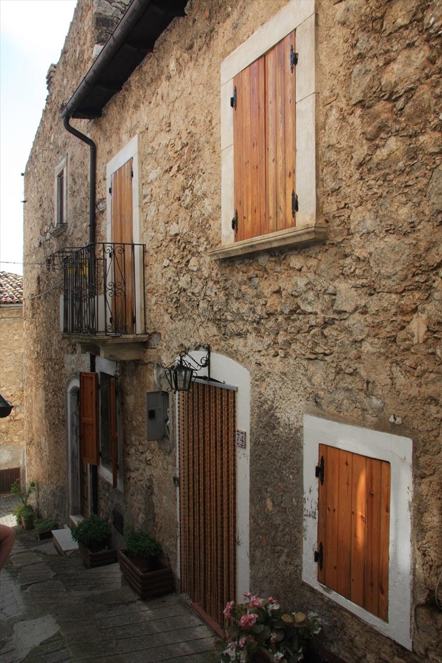 Appartamento in Vendita Villa Santa Lucia degli Abruzzi