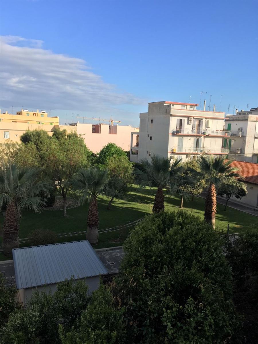Appartamento in vendita a Corato, 3 locali, prezzo € 95.000 | CambioCasa.it