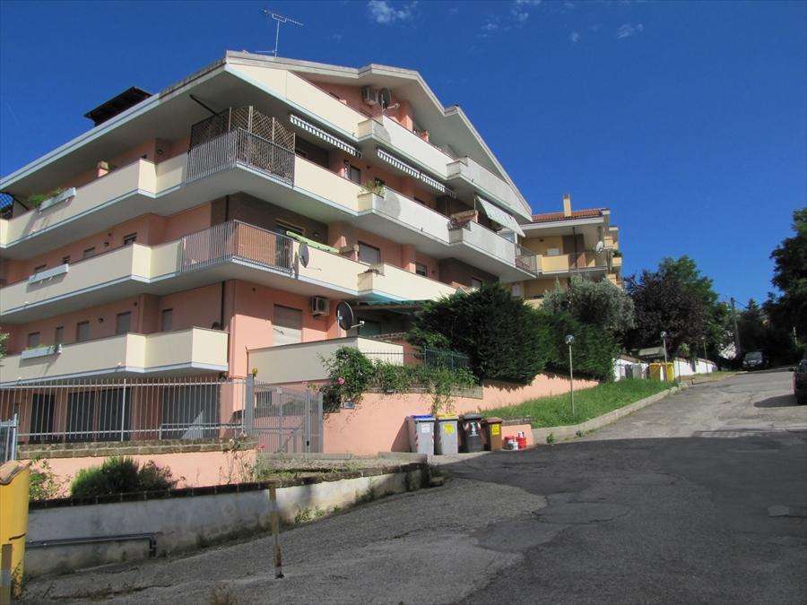 Appartamento in vendita a Chieti, 3 locali, prezzo € 90.000 | CambioCasa.it