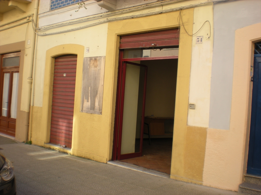 Negozio / Locale in vendita a Cerignola, 2 locali, prezzo € 140.000 | CambioCasa.it