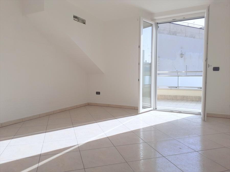 Appartamento in vendita a Gravina in Puglia, 3 locali, prezzo € 160.000 | CambioCasa.it