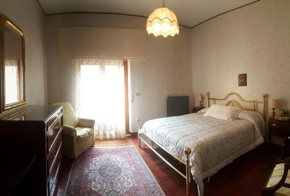 Appartamento in vendita a Reggio Calabria, 6 locali, prezzo € 229.000 | CambioCasa.it
