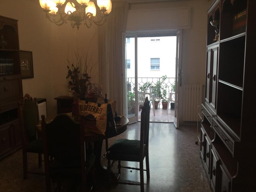 Appartamento in vendita a Brindisi, 4 locali, prezzo € 135.000   Cambio Casa.it
