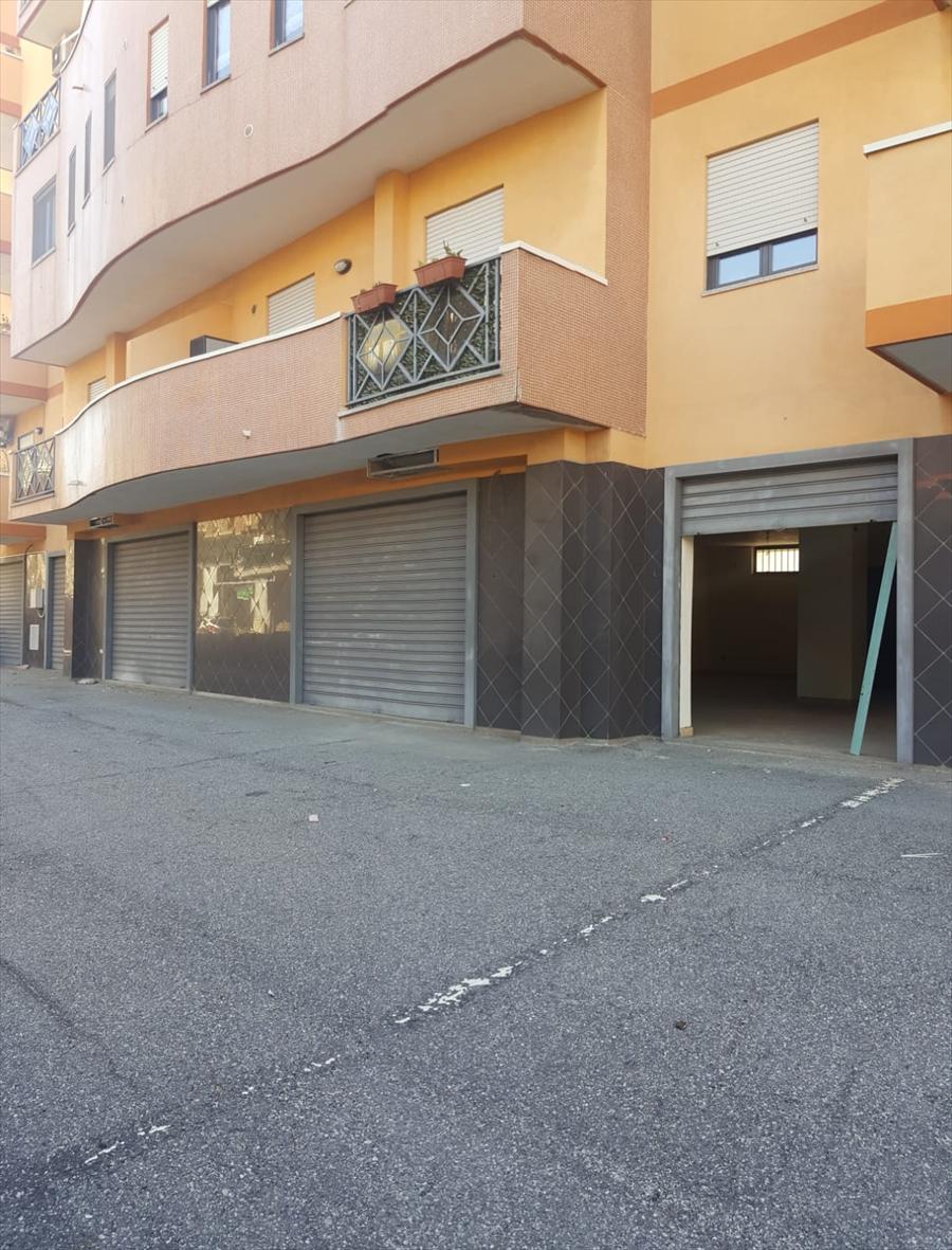 Negozio Reggio di Calabria V03319
