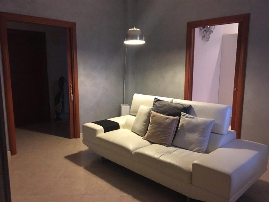Appartamento in vendita a Corato, 4 locali, prezzo € 250.000 | Cambio Casa.it