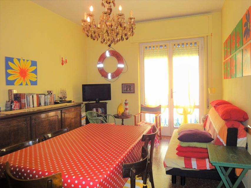 Appartamento in vendita a Viareggio, 3 locali, prezzo € 145.000 | CambioCasa.it
