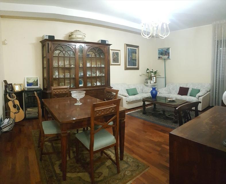 Appartamento in vendita a Reggio Calabria, 5 locali, prezzo € 199.000 | CambioCasa.it