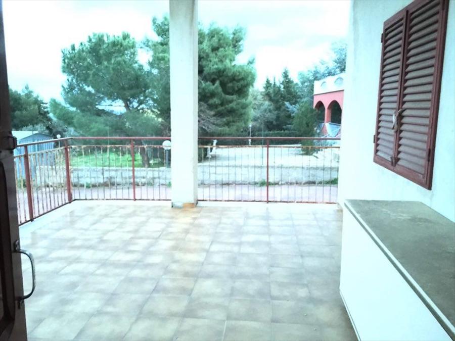 Villa in vendita a Corato, 5 locali, prezzo € 107.000 | Cambio Casa.it