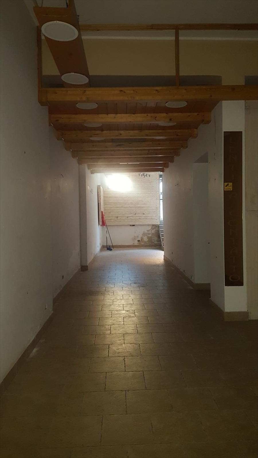 Negozio Reggio di Calabria A03019