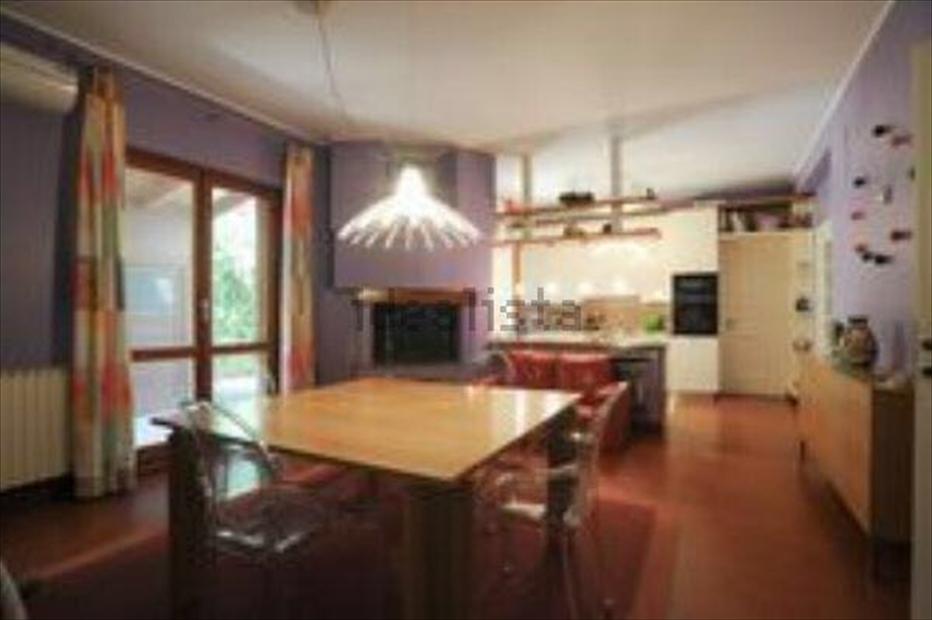 Villa in affitto a Montesilvano, 9999 locali, prezzo € 1.800   CambioCasa.it