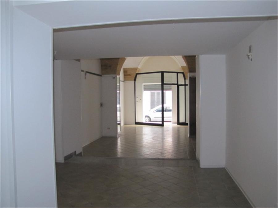 Negozio / Locale in vendita a Brindisi, 2 locali, Trattative riservate | Cambio Casa.it