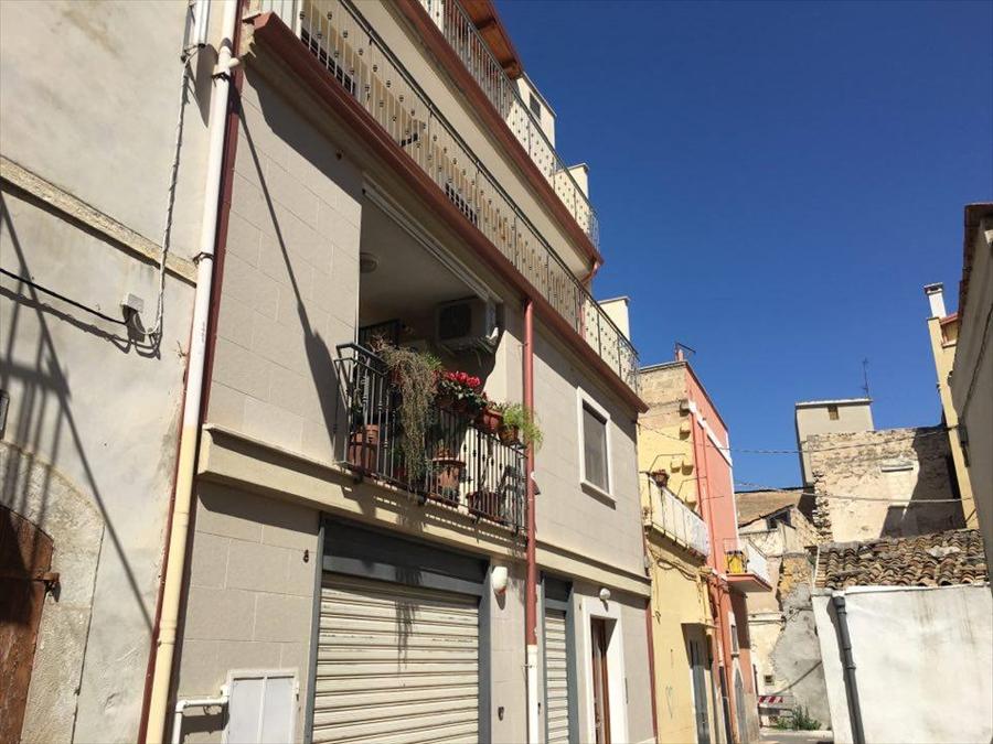 Appartamento in vendita a Corato, 3 locali, prezzo € 213.000 | Cambio Casa.it