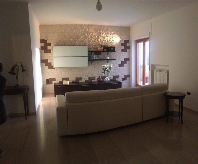 Appartamento in vendita a Corato, 4 locali, prezzo € 238.000   Cambio Casa.it