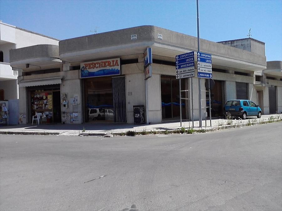 Negozio / Locale in Vendita a Monteroni di Lecce