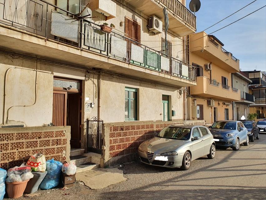 Appartamento in vendita a Reggio Calabria, 6 locali, prezzo € 65.000 | CambioCasa.it