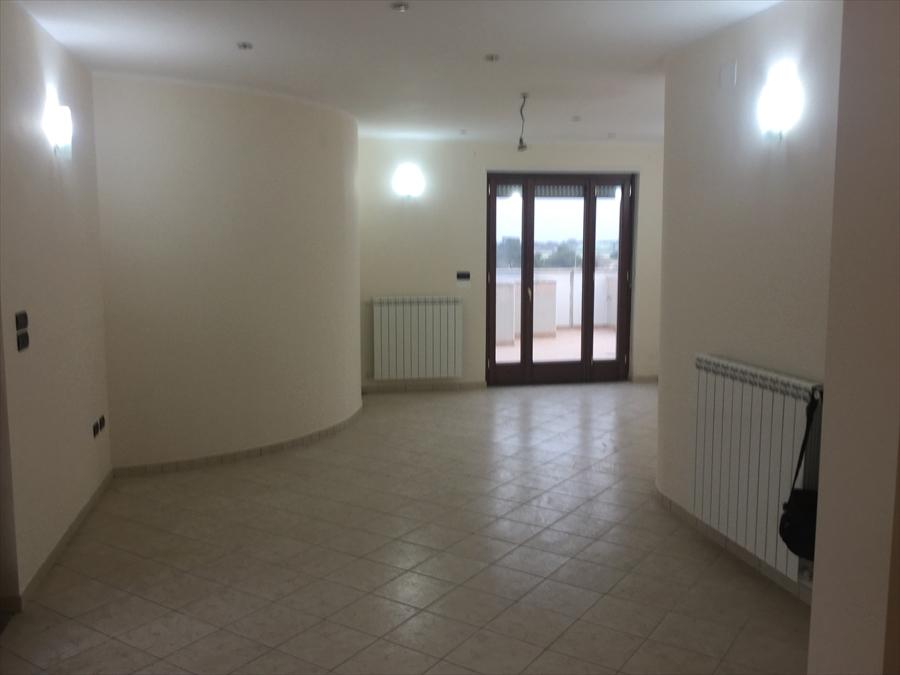 Attico / Mansarda in affitto a Brindisi, 3 locali, prezzo € 1.250 | Cambio Casa.it