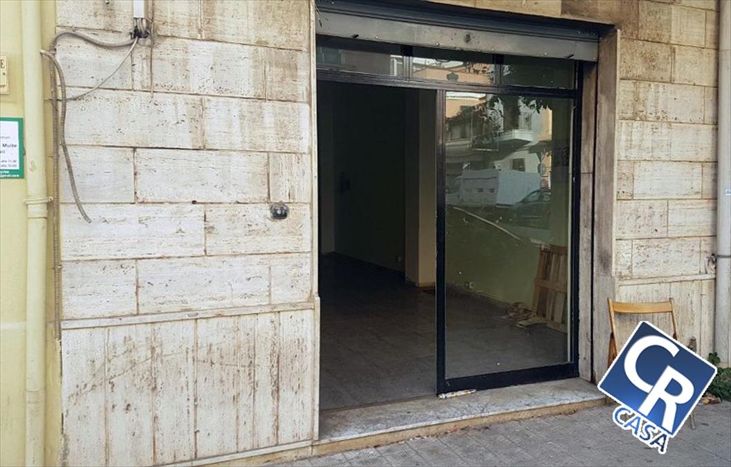 Negozio / Locale in vendita a Reggio Calabria, 2 locali, prezzo € 45.000 | CambioCasa.it