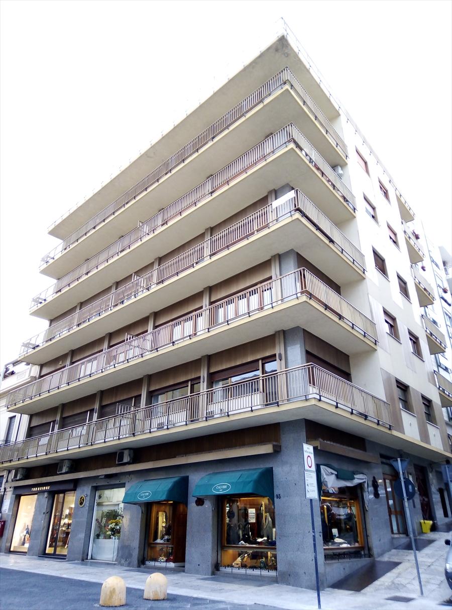 Appartamento in vendita a Reggio Calabria, 5 locali, prezzo € 470.000 | CambioCasa.it