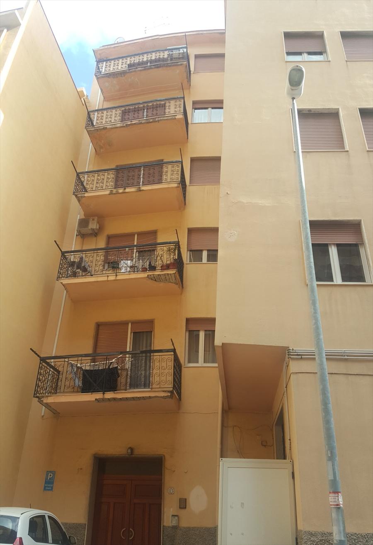 Appartamento in vendita a Reggio Calabria, 4 locali, prezzo € 90.000 | CambioCasa.it
