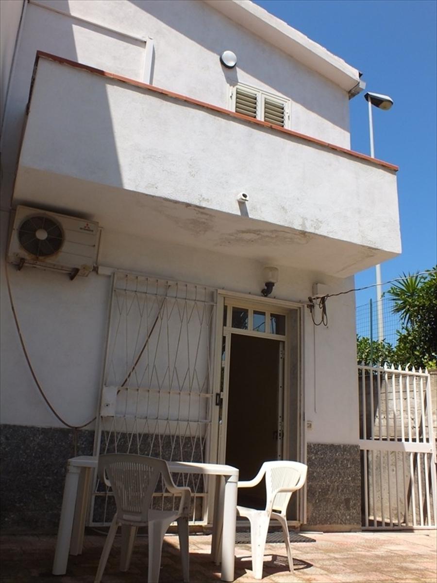 Soluzione Indipendente in vendita a Reggio Calabria, 3 locali, prezzo € 65.000 | CambioCasa.it