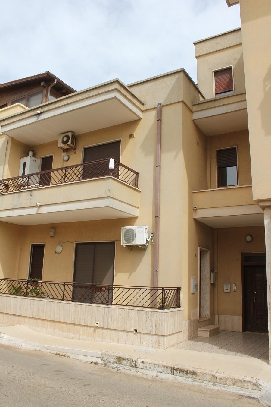 Appartamento in vendita a Carovigno, 9999 locali, prezzo € 120.000 | Cambio Casa.it