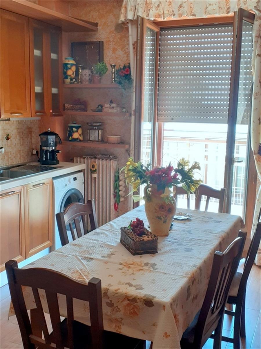 Appartamento in vendita a Gravina in Puglia Pineta