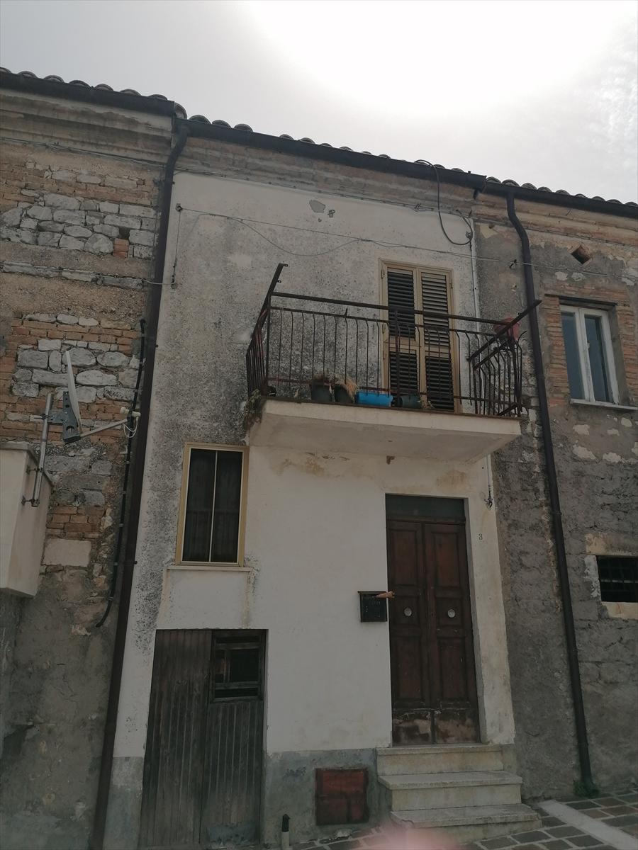 Soluzione Indipendente in vendita a Rapino, 4 locali, prezzo € 25.000   CambioCasa.it