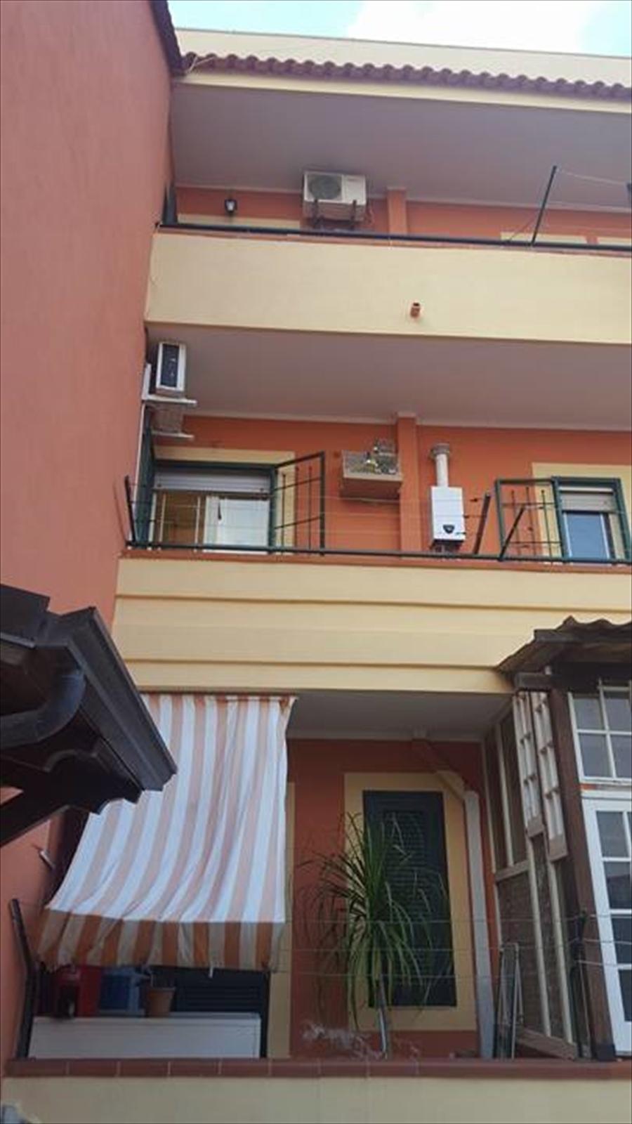 Palazzo / Stabile in vendita a Giugliano in Campania, 5 locali, prezzo € 340.000 | Cambio Casa.it